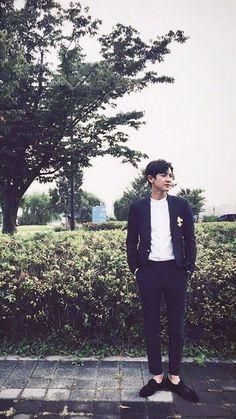 Baekhyun, Park Chanyeol Exo, Kpop Exo, Beach Sunset Wallpaper, Chen, Rapper, Music Genius, Exo Lockscreen, Cha Eun Woo