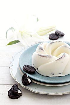 Panna cotta agli Oreo Oreo Cookie Recipes, Oreo Cookies, Cake Recipes, Panna Cotta, Italian Cake, Nutella, Flan, Mousse, Sweet Tooth