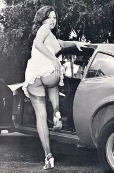 roundedcurves: Rene Bond - honey rider