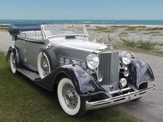 1934 Packard Acht Cabriolet Limousine - - My list of the best classic cars Mercedes Classic Cars, Ford Classic Cars, Best Classic Cars, Cadillac, Vintage Cars, Antique Cars, Auto Retro, Classy Cars, Truck Wheels