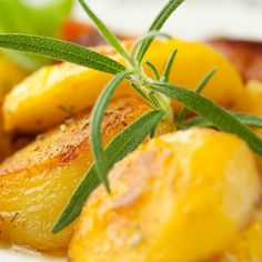 This baked rosemary potato recipe is so quick and easy to put together.  The flavor of the rosemary, combined with the olive oil and seasonings, make this a very tasty dish.. Baked Rosemary Potatoes Recipe from Grandmothers Kitchen.