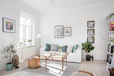 skandynawski styl, skandynawskie mieszkanie, białe ściany, biała podłoga