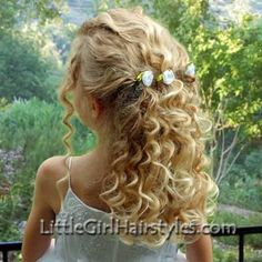 Part of the beauty of a flower girl can be her precious hair. This hair style… Pulled Back Hairstyles, Curled Hairstyles, Pretty Hairstyles, Wedding Hairstyles, Hairstyle Ideas, Pageant Hairstyles, Bridal Hairstyle, Updo Hairstyle, Girls Hairdos