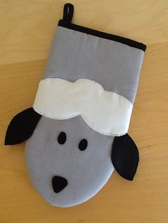 Sheep oven glove from Vardenis Sewing