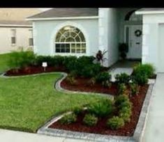 Amazing 45 Faboulous Front Yard Landscaping Ideas on A Budget http://homiku.com/index.php/2018/02/24/45-faboulous-front-yard-landscaping-ideas-budget/