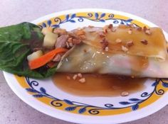 Lumpiang Sariwa (Fresh Spring Roll with Homemade Wrapper and Sauce)