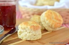 Perfect tea biscuits with exceptional flavor, a light texture, and an even grain. Perfect with a meal or on their own with a slather of butter or molasses. Bistro Kitchen, Bistro Food, Food N, Food And Drink, Tea Biscuits, Rich Recipe, What's For Breakfast, Biscuit Recipe, Pizza Recipes