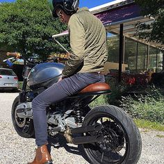 Let's ride this lovely #sc002 #ride #bmw #bmwmotorrad #custom #motorcycle #caferacersofinstagram #caferacer #scrambler #silvaticus_custom #livefreeordie
