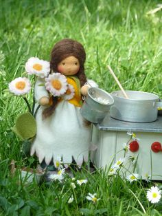 "So cute - ""Daisy Girl"" - Wool Felt Doll by Cornelia Klünemann"