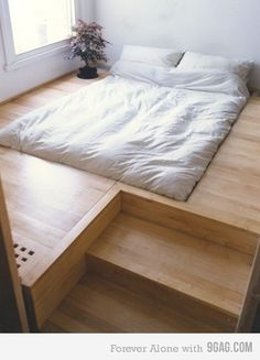 Have slept in a bed like this before!  Really cool, but hard to get in and out of gracefully...