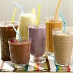 Smoothies Why they're a flat belly food: Smoothies are not only packed with antioxidants but can also be rich in MUFAs. Adding a nut butter and flaxseed oil to fruit and yogurt boosts your intake of healthy fats while imparting a rich, nutty flavor. Enjoy a slimming sip as a snack or on-the-go breakfast.