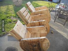 Electrical wire wheel DIY chairs. That's a nice twist. Now where do I find a bunch of wire wheels