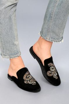 Asian loose socks loafers pedal pumping