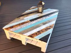 The Most Creative DIY Coffee Table Furniture Project Ideas 1 – Pallet Ideas Coffee Table Upcycle, Garden Coffee Table, Coffee Table Furniture, Wood Pallet Furniture, Coffee Table Design, Furniture Projects, Rustic Furniture, Diy Garden Table, Deck Furniture