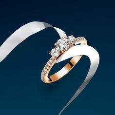 A magical Nature's gift to symbolize pure #love. #Bucherer #Trilogy #diamond #ring #MomentsOfRomance #weddingseason #bridal #jewelry