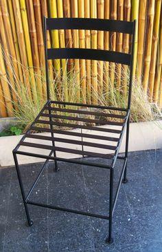 Juego de mesa y silla para balcon jard n forjados en for Modelos de sillas de hierro