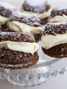 Michelle McHugh and her mum Lois Goodman feature in the new cookbook My Mother& Kitchen with their Cinnamon Oyster recipe. Kiwi Recipes, My Recipes, Baking Recipes, Cake Recipes, Dessert Recipes, Desserts, Recipies, Favorite Recipes, Mini Cakes