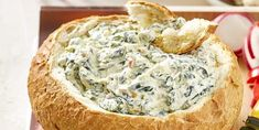 Irresistible spinach and bacon dip in soft bread bowl recipe! - Kitchen - Tips and Crafts A Food, Good Food, Bruchetta, Bacon Dip, Piece Of Bread, Raw Vegetables, Bread Bowls, Spinach Dip, Cold Meals