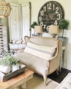 Rustic farmhouse living room - see how to create this cozy living room with a mix of old & new items. A must pin for farmhouse decor! Coastal Living Rooms, Cozy Living, French Decor, French Country Decorating, Country French, French Cottage, Farmhouse Wall Decor, Rustic Farmhouse, French Farmhouse