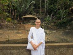 Interview mit einer buddhistischen Nonne. Manche Begegnungen hinterlassen Spuren, berühren etwas tief in dir...