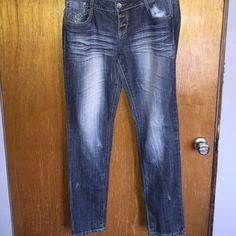 Almost famous jeans sz 13 Almost famous jeans sz 13 Almost Famous Jeans Skinny