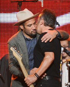 Bruce Springsteen and Ben Harper. #music #musician http://www.pinterest.com/TheHitman14/musician-in-picture-%2B/