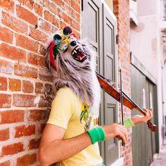 #draugluin #werewolf #neworleans #frenchquarter #leica #street #streetphoto #musician #violin #jj_faceless #jj_streetphotography #jj_forum_1519 #artq #colors #summer #justgoshoot #travelgram #stradivarius by twisted_mind