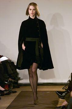 Carolina Herrera Fall 2002 Ready-to-Wear - Collection - Gallery - Look 1 - Style.com