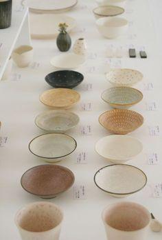 ceramic bowls by Sachie Hashimoto (use Japanese tea bowls/Chawan as small ice cream bowls) Ceramic Studio, Ceramic Clay, Ceramic Tableware, Ceramic Bowls, Tea Bowls, Plates And Bowls, Pottery Bowls, Ceramic Pottery, Thrown Pottery