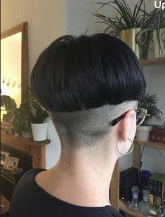Short Hair Cuts, Short Hair Styles, Bowl Haircuts, Buzzed Hair, Shaved Nape, Hair Dye Colors, Bowl Cut, Bad Hair, Hair Looks