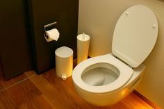 A soft toilet seat can provide a much greater secure enjoy than traditional designs. By utilizing high-density foam and a antibacterial vinyl material, you get the advantages of getting smooth surroundings to your lavatory even as being at ease. Foam Roofing, Bathroom Fitters, House Cleaning Company, Lavender Bathroom, Tips & Tricks, Home Hacks, Bathroom Renovations, Bathroom Furniture, Diy Crafts To Sell