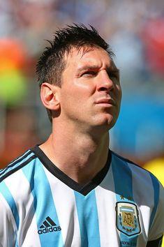 Lionel Messi - Lionel Messi Photos - Argentina v Switzerland - Zimbio Lionel Messi, Messi 10, Messi Childhood, Messi Photos, National Anthem, Fifa World Cup, Memes, Leo, Barcelona