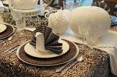 Make your Thanksgiving table one your family will always remember - special and with a turkey on every plate. The turkey napkin fold looks di…