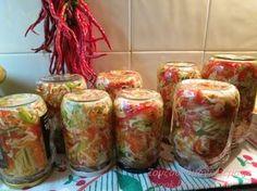 Καλό μήνα φίλοι μου! Το τουρσί τρώγεται το χειμώνα ως επί το πλείστον, αυτή τη σαλάτα μπορεί να την πει κανείς και το... The Kitchen Food Network, How To Boil Rice, Homemade Spices, Greek Recipes, Food Preparation, Fresh Rolls, Food Storage, Finger Foods, Food Network Recipes