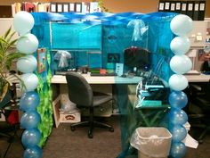 Halloween Decorating Ideas For Office Cubicle Cube. Cute Cubicle, Classy Cubicle, Work Cubicle, Cubicle Ideas, Cubicle Organization, Cubicle Design, Halloween Cubicle, Halloween Office, Office Christmas
