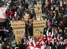 Renzi e la politica protagonisti del carnevale di Viareggio - Foto e video - il Tirreno