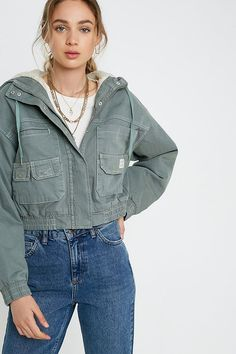 Shop UO Jared Borg Lined Crop Utility Jacket at Urban Outfitters today. Utility Jacket Outfit, Denim Outfit, Casual Outfits, Cute Outfits, American Eagle Outfits, Urban Outfitters Tops, Models, Fall Winter Outfits, Jacket Style