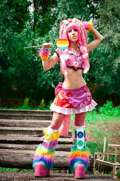 Lollipop-Goth or Cyper-punk, han, more Kawaii. Cute, but like the last posting, I can see why the traditional Goths are rolling their eyes. Lovely lady, no judging here.