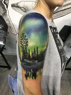 #tattoo #Tattooart #auroraborealis #auroraborealtattoo #auroraboreal artista @lucasboteroc #angrymomtattoo #realismtattoo