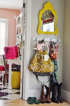 Street Design School: Feature Friday: Life In Grace Life In Grace, Small Entry, Home Organization, House Tours, Bunt, Decoration, Living Spaces, Sweet Home, New Homes