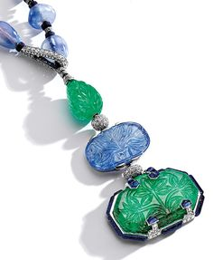 The Baron de Rothschild Necklace - Elegant and Rare Platinum, Emerald, Sapphire, Lapis Lazuli and Diamond Pendant-Necklace. Designed by Charles Jacqeau for Cartier, Paris. (=)
