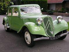 Citroën Traction Avant 7C Découvrable 1938 Psa Peugeot Citroen, Citroen Car, Retro Cars, Vintage Cars, Antique Cars, Antique Phone, Classic Motors, Classic Cars, Citroen Traction