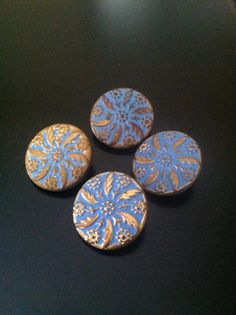 Antique floral design buttons by outoftheblueVINTAGES on Etsy, $16.00