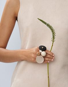 Aarikka's rings are characterful and fantastically eye-catching. The rings are made from either wood or silver. Wooden Jewelry, Handmade Jewelry, Joko, Anklet, Hair Pieces, Jewelry Sets, Jewerly, Crochet Necklace, Brooch