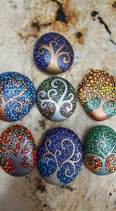 Painted Pebble and River Stone Crafts – Repainted rock is such a growing fad, as well as there, are several talented musicians that offer repainted rock art on Etsy and . Read MoreColorful and Artsy Ideas for Painted Pebble and River Stone Crafts Rock Painting Patterns, Rock Painting Ideas Easy, Dot Art Painting, Rock Painting Designs, Pebble Painting, Pebble Art, Paint Designs, Stone Painting, Heart Painting