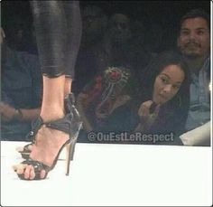 Ladies You Probably Shouldnt Wear High Heels If your toes have to cling on for dear life.  this is probably at NYFW (based on the date) i wish i knew what show and WHO it is… look at the girl looking at the feet on the other side of the runway  LOL