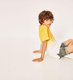 Imagem 1 de T-SHIRT DEGRADÊ E BOLSO da Zara