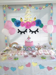 Festa Unicórnio. By: Daiane Belo Aniversário Isadora 2 anos. Unicorn Themed Birthday Party, Unicorn Birthday Parties, Unicorn Party, Birthday Party Decorations, Birthday Ideas, Bday Girl, Pony Party, Marie, First Birthdays