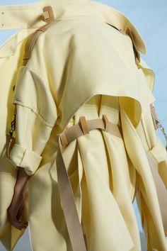Spring 2019 Ready-to-Wear Fashion Show Hermès Spring 2019 Ready-to-Wear Collection - VogueHermès Spring 2019 Ready-to-Wear Collection - Vogue Fashion Details, Look Fashion, Runway Fashion, High Fashion, Fashion Show, Fashion Outfits, Womens Fashion, Fashion Tips, Fashion Design