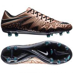 e15dd778e Buty piłkarskie Nike Hypervenom Phinish FG zostały zaprojektowane z myślą o  szybkich i ofensywnych piłkarzach. Nike FootballKorki